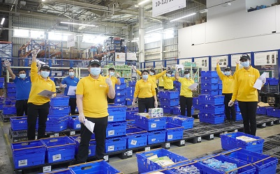 Majid Al Futtaim Staff Redeployment - VOX Cinemas employees at Carrefour fulfilment centre