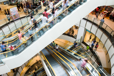 How the shopping mall can defeat its online competitors